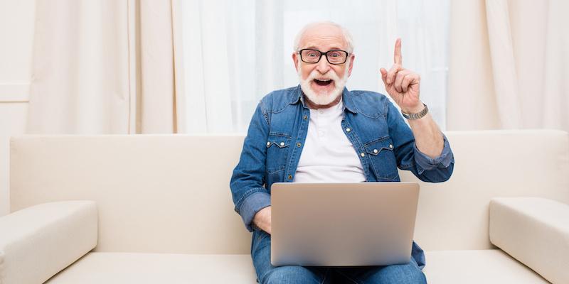 Senior na zakupach w Internecie! Czy to dobry pomysł?