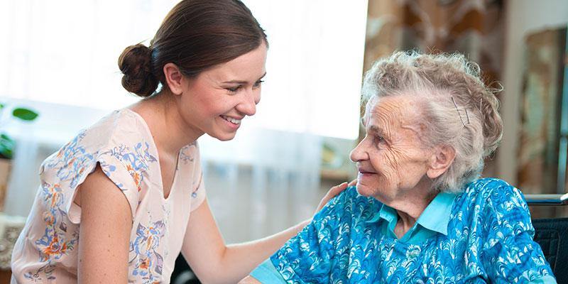 Rola pielęgniarki w opiece długoterminowej nad osobą starszą